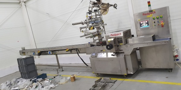 Redpack flow pack wrapping machine for fruit and vegetable